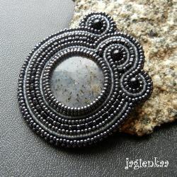 haft koralikowy,elegancki,unikalny,asymetryczny - Broszki - Biżuteria