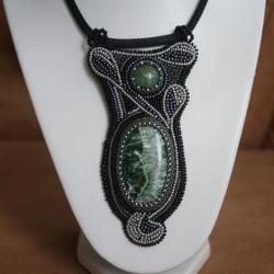 serafinit,jaspis oceaniczny,haft koralikowy - Wisiory - Biżuteria