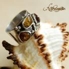 Pierścionki pierścionek z bursztynami,ciekawy