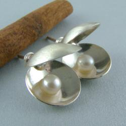 muszla,perły,oryginalne,niebanalne - Kolczyki - Biżuteria